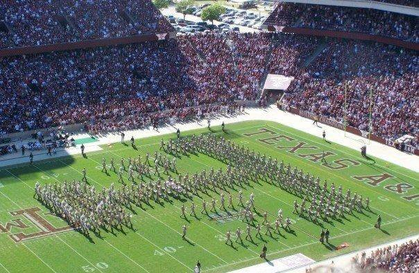 https://upload.wikimedia.org/wikipedia/commons/3/36/Aggie_Band.jpg