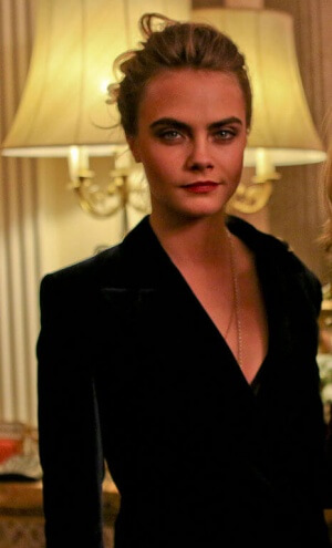 https://upload.wikimedia.org/wikipedia/commons/thumb/a/a2/Cara_Delevingne_September_2014.jpg/465px-Cara_Delevingne_September_2014.jpg