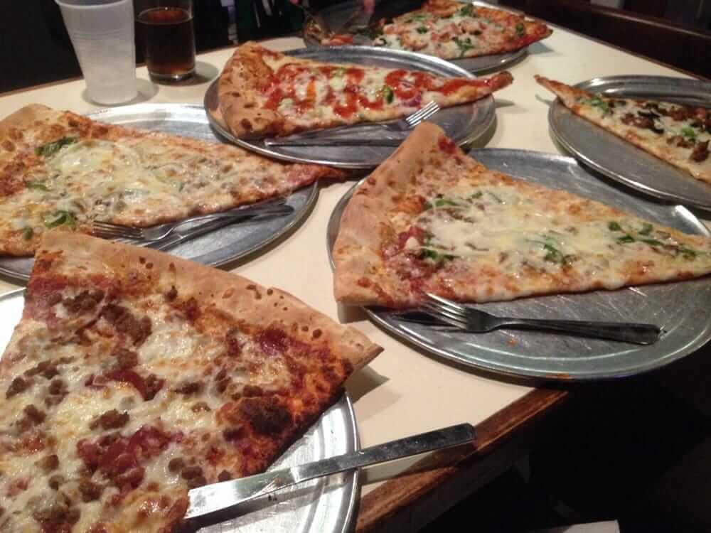 momos pizza tallahassee