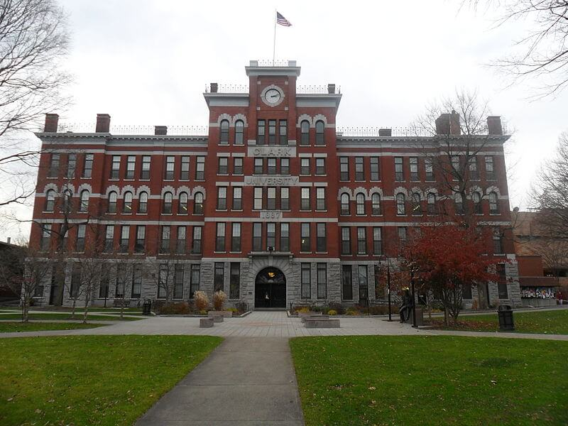clark university is a good school for those not interested in greek life