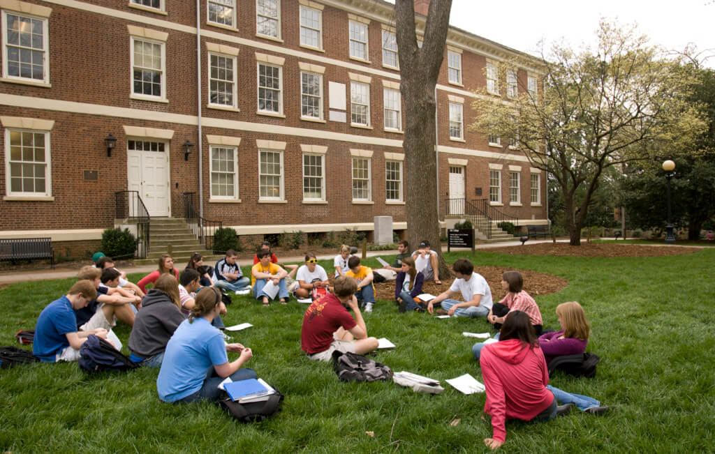 Do You Even Study, Bro? 10 Best Study Spots for UGA Dawgs