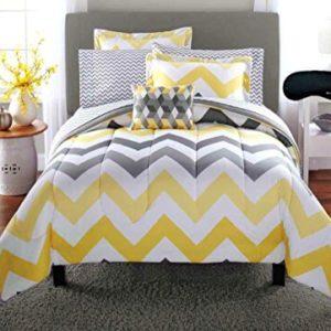 Trendy Yellow Gray S Chevron Comforter