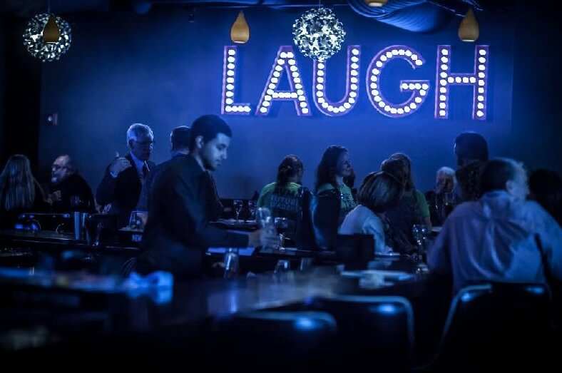 laughboston.com