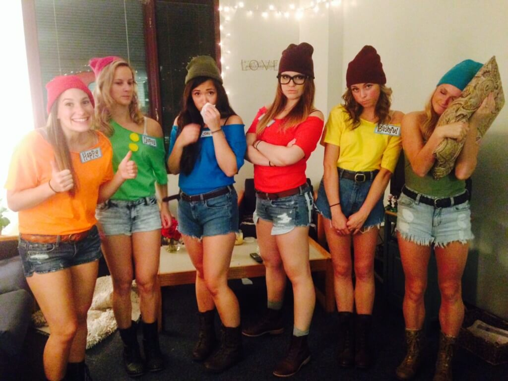 10 halloween costumes for the whole squad - college magazine