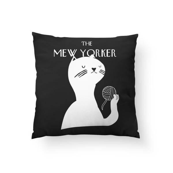 mew_yorker_pillow_grande