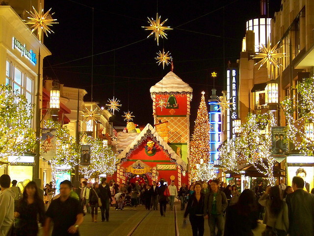Go to the grove in los angeles during the winter