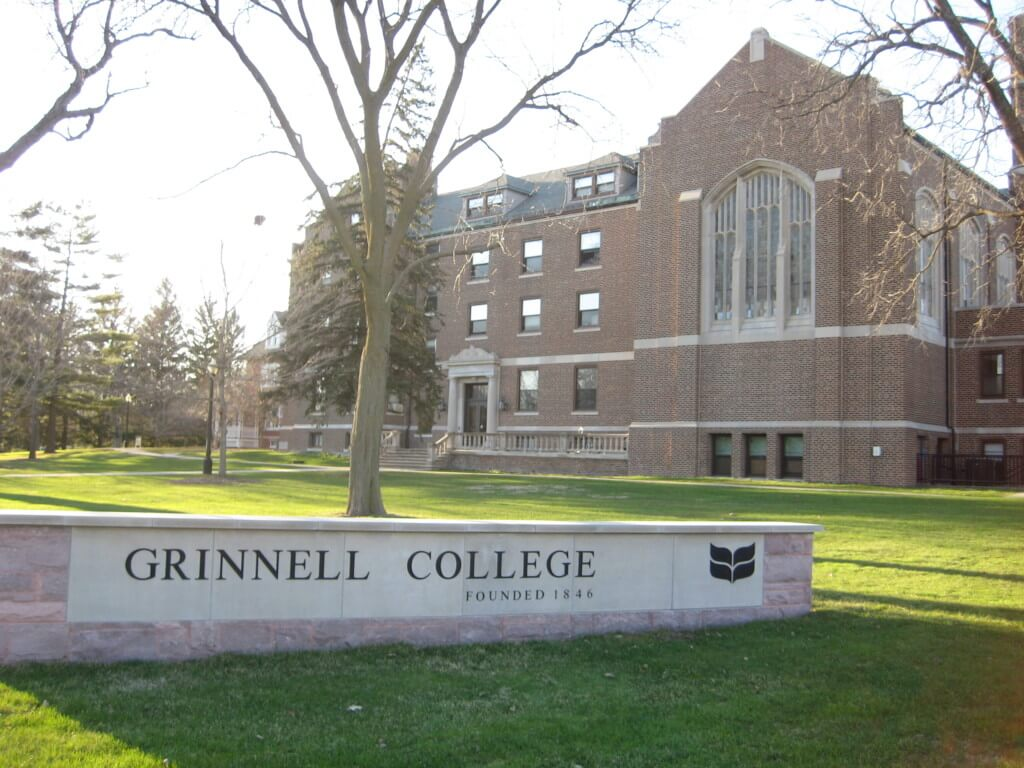 Cm S Guide To Grinnell College College Magazine