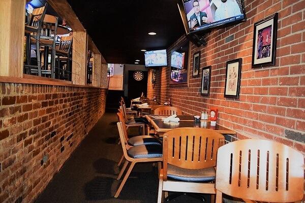 Four Corners restaurant on franklin street