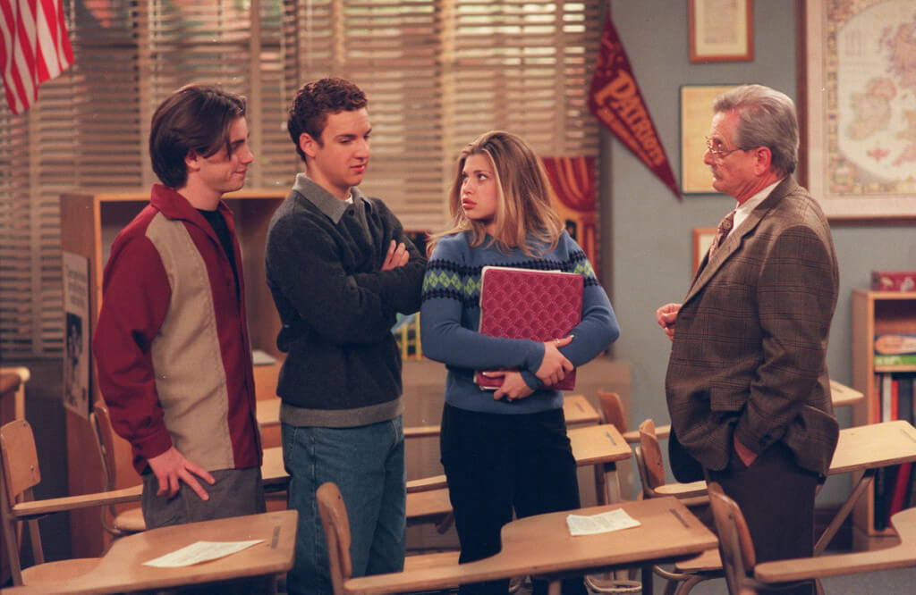 In Boy Meets World, the cast has classes with friends.