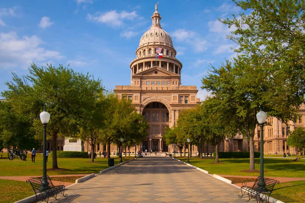 tour the capitol free fun things to do in austin