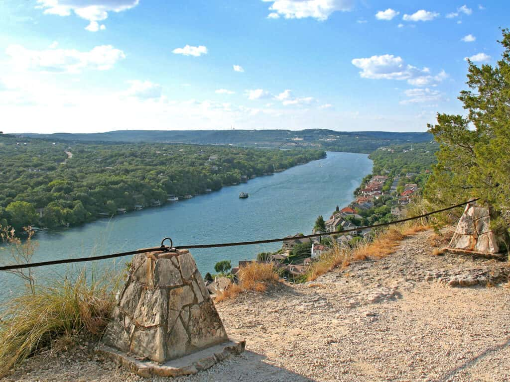 Free things to do in Austin include Mount Bonnell.