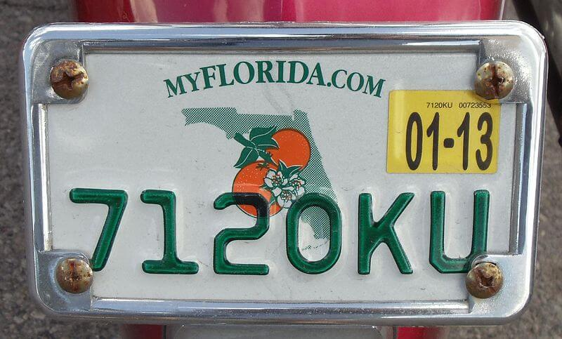 the awkward moment when someone steals your license plate