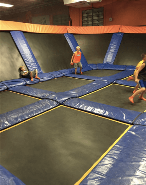 skyzone trampoline park lexington