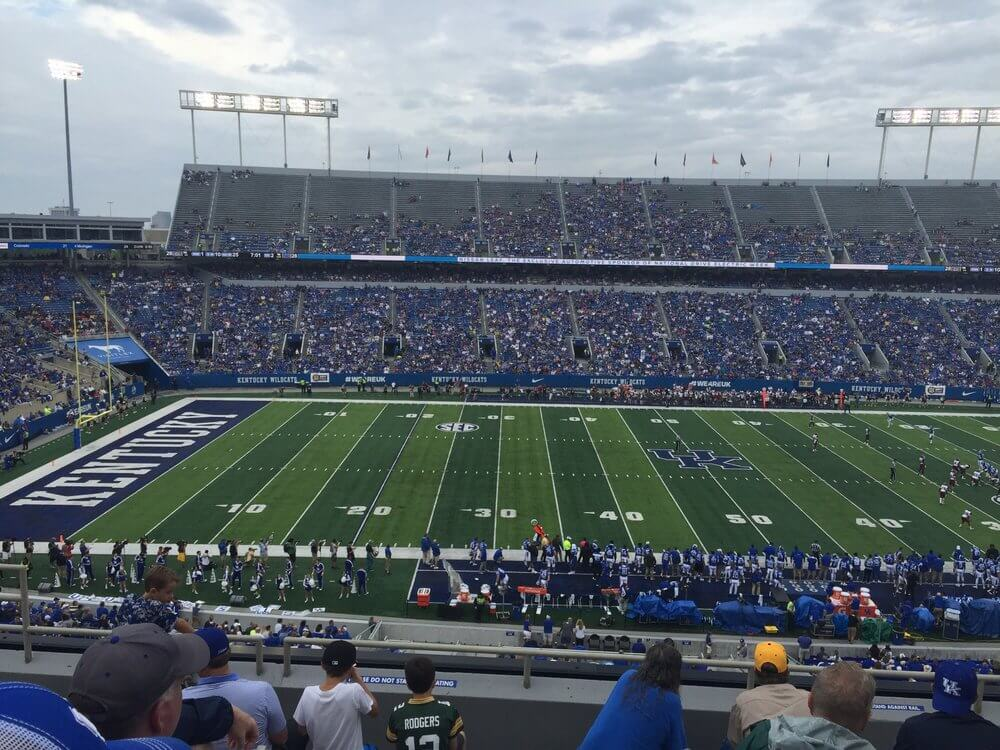 commonwealth stadium lexington