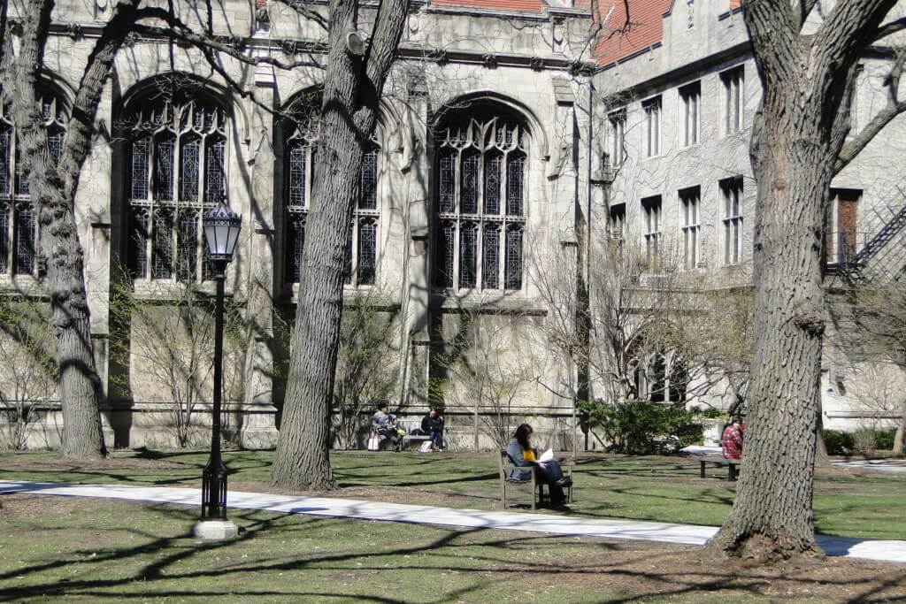 University of Chicago best colleges for extroverts