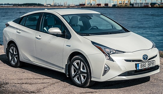 Toyota Prius best cars for college students