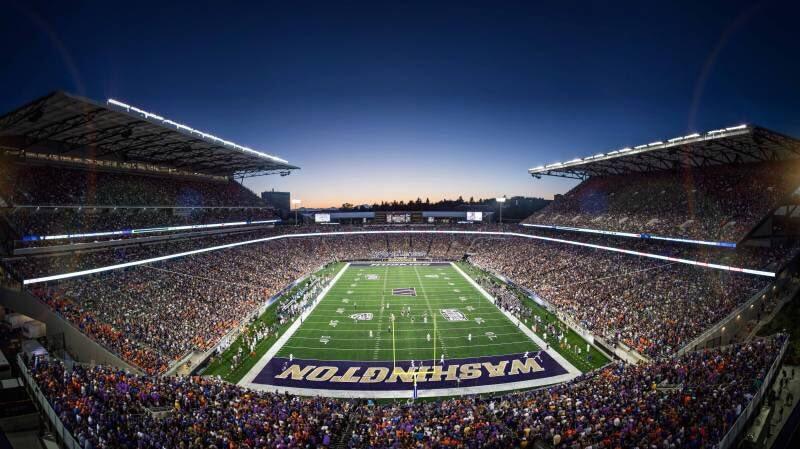 top 10 impressive college football stadiums