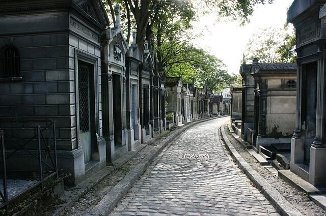 Pere Lachaise Cemetery Path