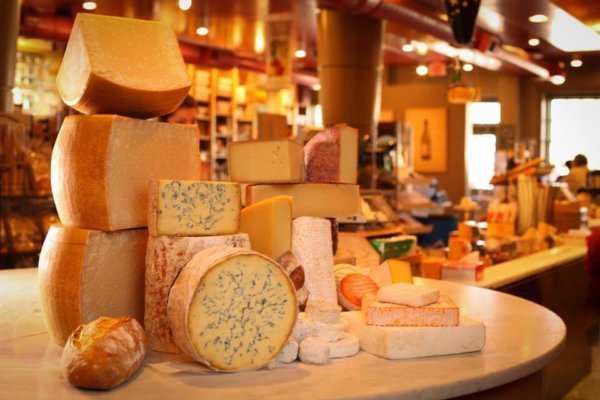 things to do in williamsburg cheese shop