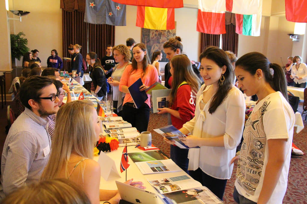 college clubs, club fair