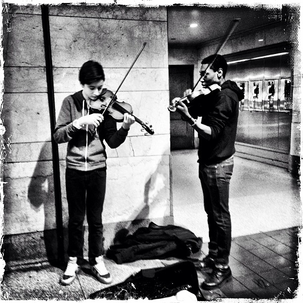 subway musicians playing violin things to do in dc at night