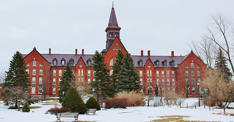 university of vermont campus with snow best colleges for skiers