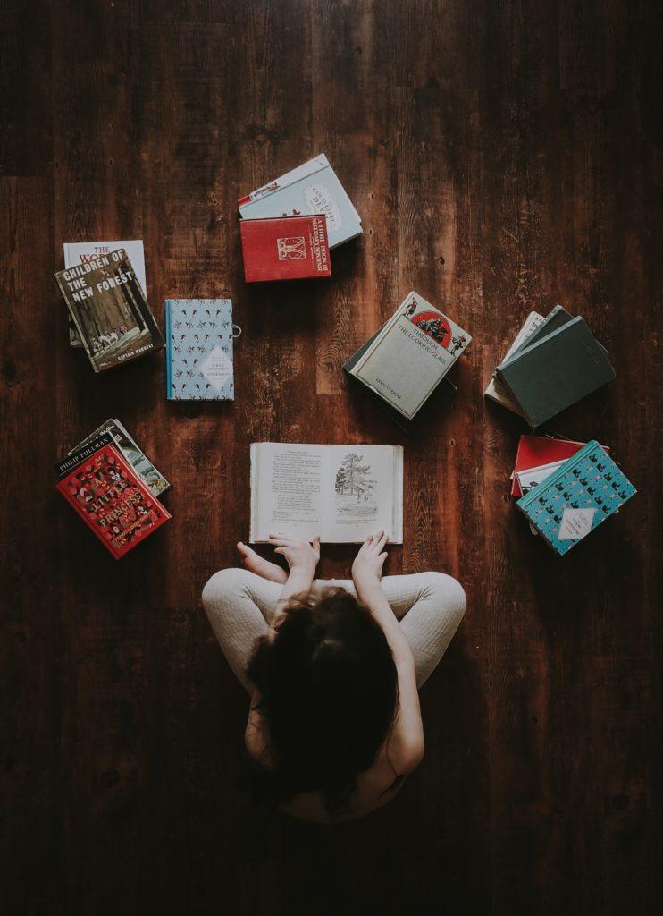 books on floor english major