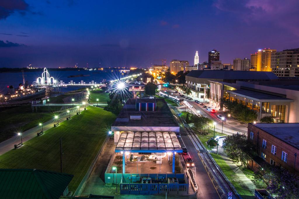 downtown Baton Rouge at night