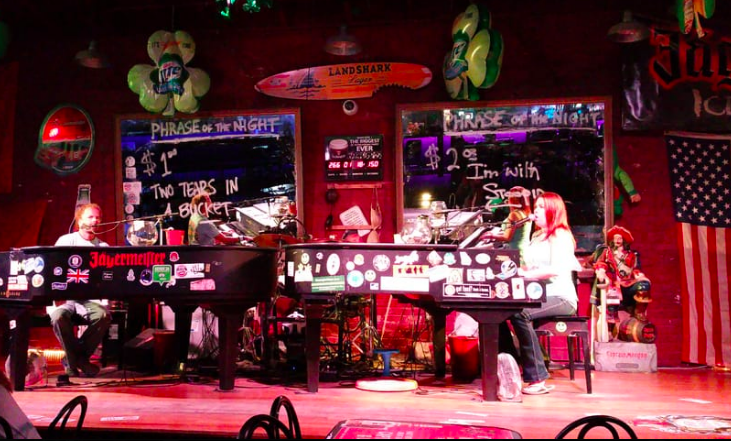 duelling pianos things to do in savannah