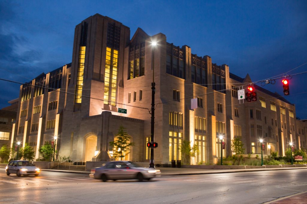 indianna hoosiers business school at night