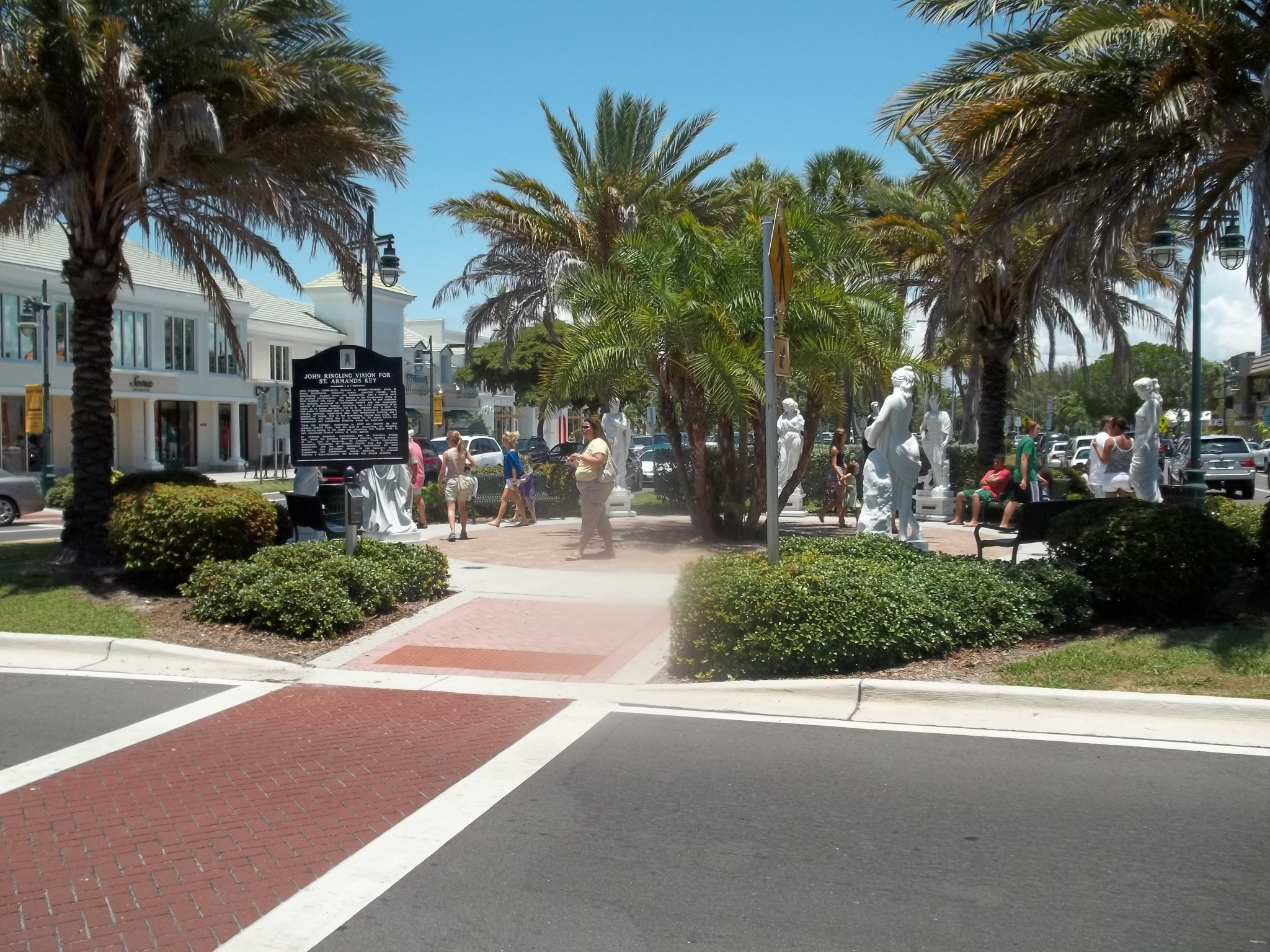 statues and history things to do in sarasota