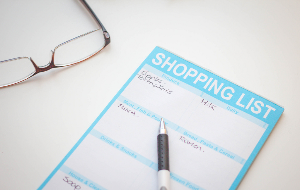 shopping list how to make a budget