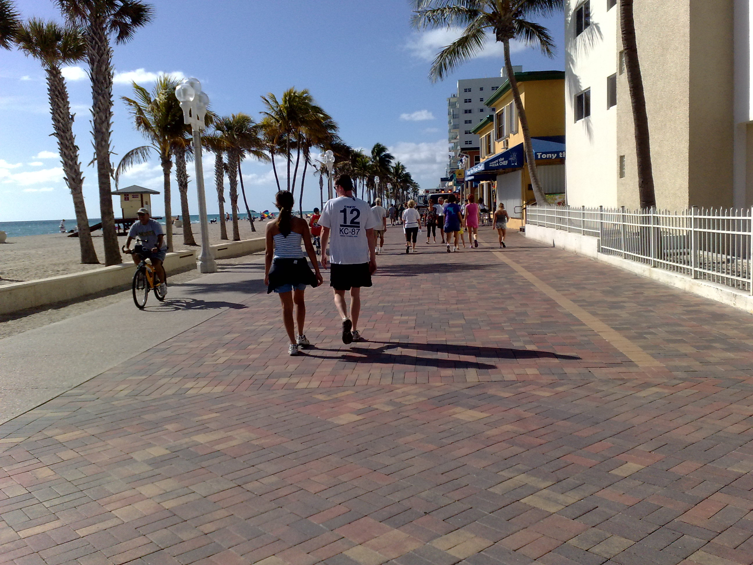 things to do Hollywood, Florida boardwalk by beach