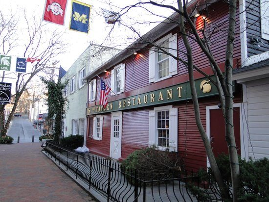 picture of Tavern from outside.