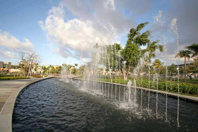 things to do Hollywood, Florida fountain