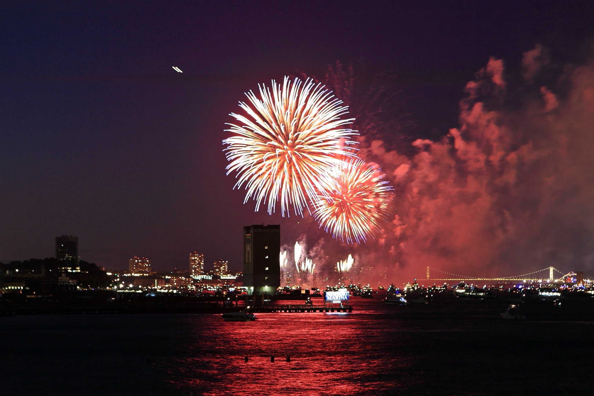 photo of Macy's fireworks over the East River