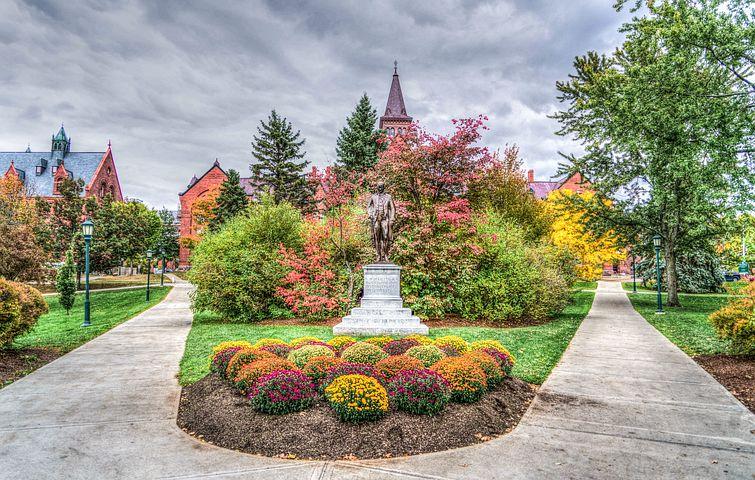 UVM-Campus-image